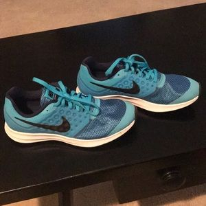 Nike youth size 6